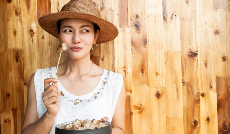 asian-woman-eating-dessert-made-from-banana-healthy-and-beauty-concept_t20_eVPL1m