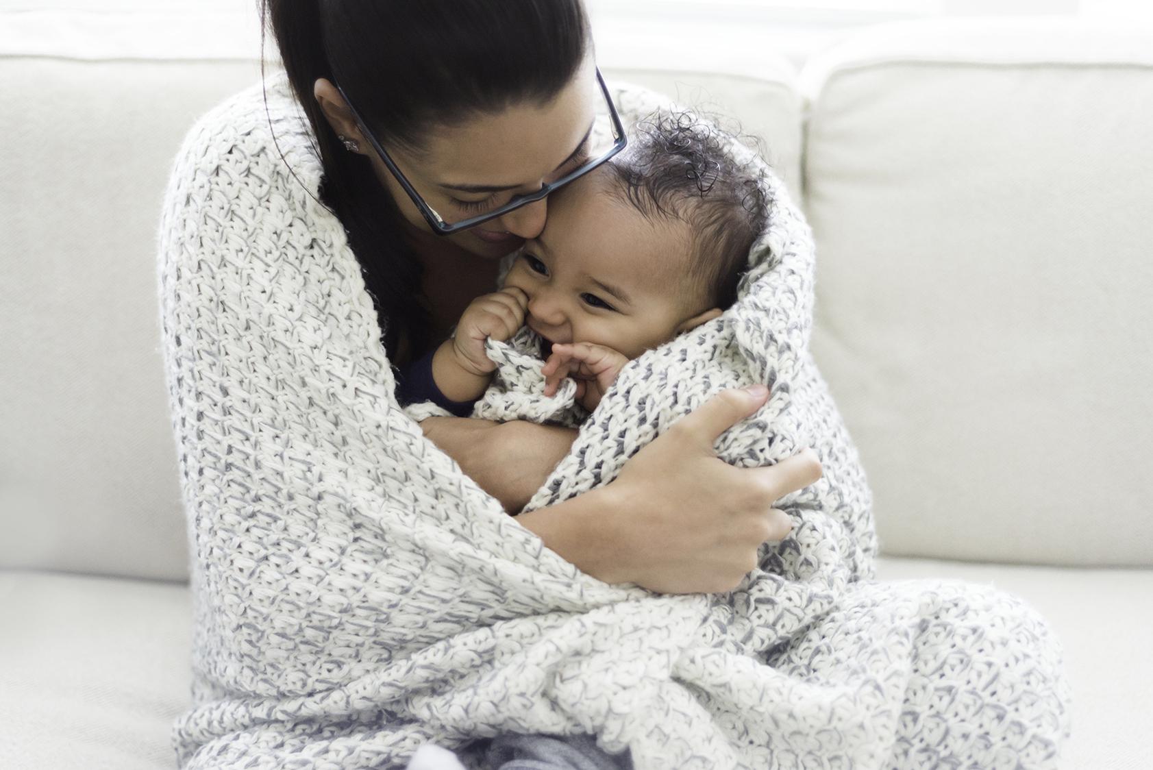 baby-snuggles_t20_b8Wr4X